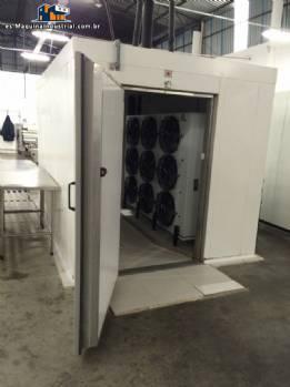 Aislamiento de poliuretano modular ultra congelador cerca de menta