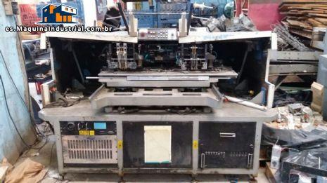 Rollo industrial que forma la máquina